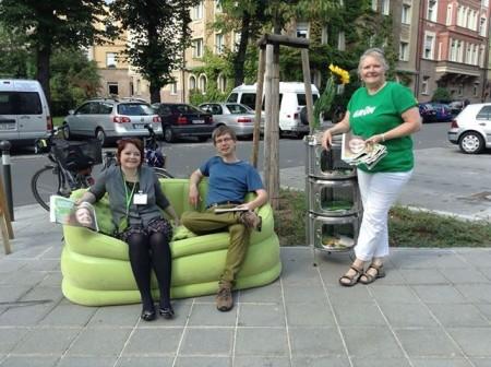 Auf der grünen Couch zum mobilen Gespräch mit BürgerInnen