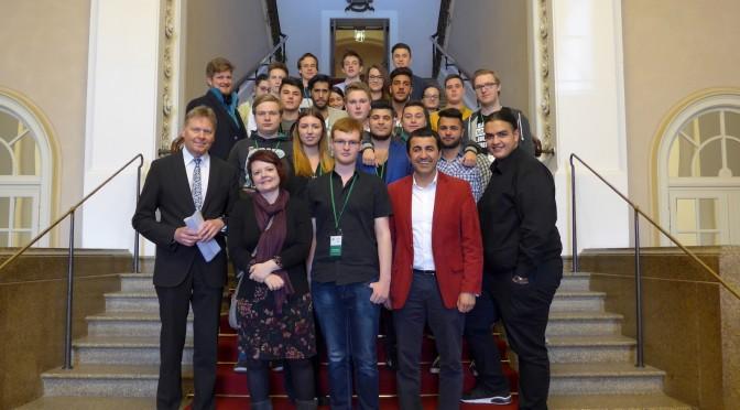 Schülerinnen und Schüler der Sabelschule zu Besuch im Landtag