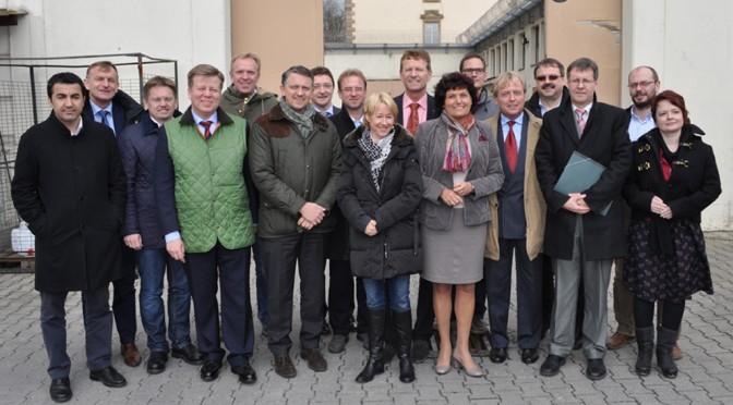 Abgeordnete erhalten Einblick in die Justizvollzugsanstalt Regensburg