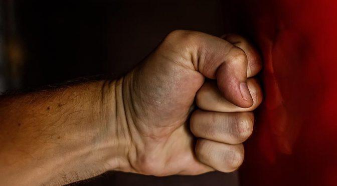 Gewalt gegen Frauen: Gesamtkonzept vorlegen